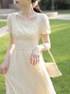 夏季短袖洋裝宮廷風法式刺繡蕾絲方領泡泡袖長裙高腰甜美公主裙 黛尼時尚精品