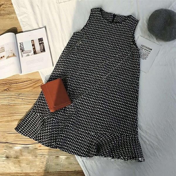 *孕味十足。孕婦裝* 現貨【CPH663002】兩件式格子圖案魚尾裙襬+坑條素面上衣孕婦洋裝 黑