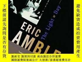 二手書博民逛書店The罕見Light Of DayY364682 Ambler, Eric Random House Inc