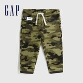 Gap嬰兒 LOGO時尚迷彩鬆緊腰休閒褲 592877-綠色迷彩