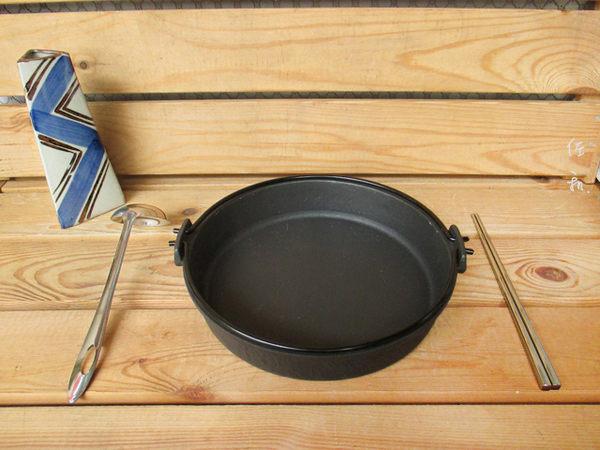 ~佐和陶瓷餐具~【24I52024-C鉎壽喜鍋(霧面琺瑯)24cm】/ 煮鍋 湯鍋 鑄鐵鍋 壽喜燒 /
