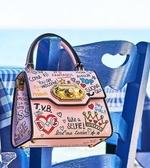 ■夏季折扣專櫃44折 ■ Dolce & Gabbana 全新真品Welcome塗鴉翻蓋小牛皮兩用包 粉色