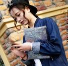 韓國女包 東大門新款包包 潮女手抓包 潮女簡約氣質手包 女生鐳射款手拿包 手拿信封包 手機包