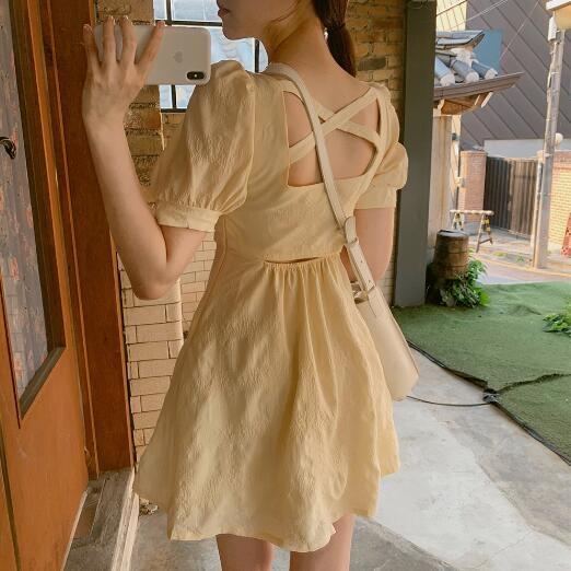 棉麻洋裝 韓系復古方領泡泡袖交叉露背連身裙 花漾小姐【現貨】