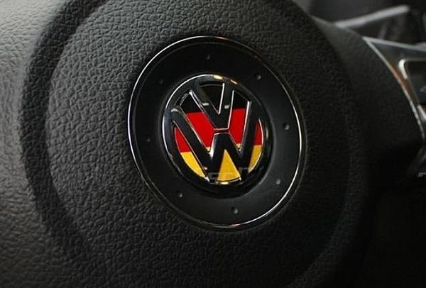 VW 國旗貼 方向盤裝飾貼 GTI polo golf tiguan Beetle passat沂軒精品A0044-2