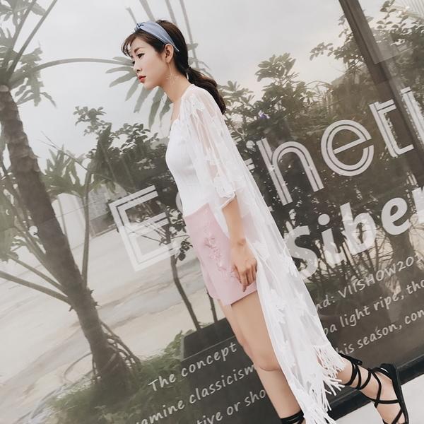 【現貨】梨卡 - 韓版度假沙灘防曬外套長袖流蘇顯瘦鉤花蕾絲比基尼罩衫長版薄外套C6240