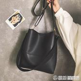 上新包包女新款韓版簡約單肩子母包百搭大容量學生水桶斜背包 繽紛創意家居