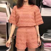 套裝 鉤花鏤空蕾絲衫短袖上衣配休閒闊腿短褲兩件套省心洋氣套裝女夏裝