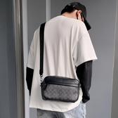 男士單肩包韓版潮2020新款印花時尚斜挎包男休閒簡約小掛包 第一印象