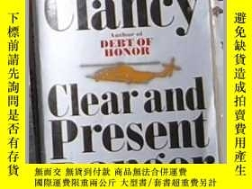二手書博民逛書店英文原版罕見Clear and Present Danger [