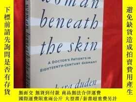 二手書博民逛書店The罕見Woman Beneath the Skin: A D