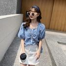 短袖女2021年新款夏裝格子襯衫收腰法式短款方領泡泡袖麻棉上衣藍 設計師