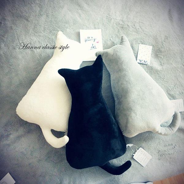 《花花創意会社》韓同款。背影猫仿絨靠墊抱枕。三色【H4484】