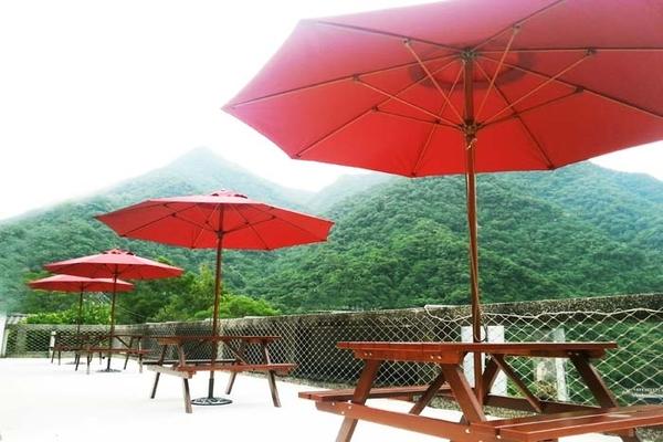 【烏來】慈云溫泉 - 溫馨景觀房 - 住宿 (大床 + 冷熱雙池) + 早餐