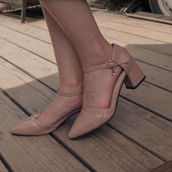 鞋子 RCha。漆皮亮面尖頭繫踝粗跟鞋-Ruby s 露比午茶