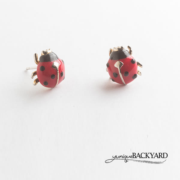 yunique Backyard  小瓢蟲耳環
