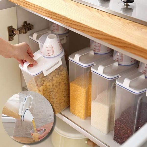超大容量 手提密封罐 附量杯 儲米桶食物 保鮮盒 儲物 收納 米 麵條 貓狗飼料 乾糧【RS756】