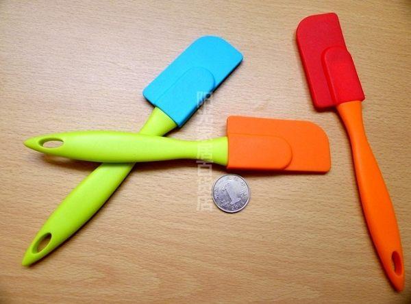 [協貿國際]  耐高溫迷你矽膠可拆刮刀 4個價