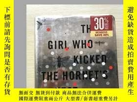 二手書博民逛書店The罕見Girl Who Kicked the Hornet