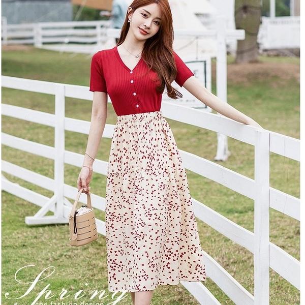 紅色針織V領優雅愛心及膝裙兩件套(紅上衣+印花及膝裙)宴會上班洋裝[99192-QF]美之札