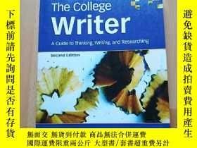 二手書博民逛書店The罕見College Writer: A Guide to