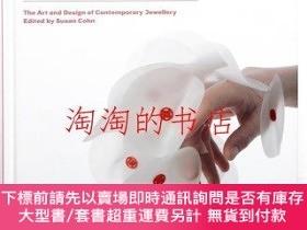 二手書博民逛書店Unexpected罕見pleasures : the art and design of contemporar