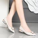 低跟鞋尖頭低跟單鞋2021新款女士韓版百搭淺口方扣軟皮時尚網紅職業女鞋 夏季上新