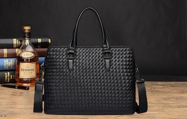 FINDSENSE品牌 韓國 新款  FIN韓國出品 包款 時尚 男士 手工編織 橫款 商務包 單肩 斜挎 公文包 潮流