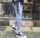 找到自己 MD 韓國 男 時尚潮流 簡約 側拼紅條 休閒褲 九分褲 牛仔褲 小腳褲