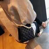 ?條包 高級感包包洋氣女包2019新款潮正韓百搭斜挎包時尚菱格?條單肩包