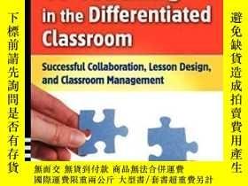 二手書博民逛書店Co-teaching罕見In The Differentiated Classroom: Successful