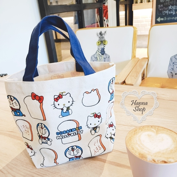 《花花創意会社》外流。韓版KT小叮噹聯名吐司可愛手提便當袋【H6703】