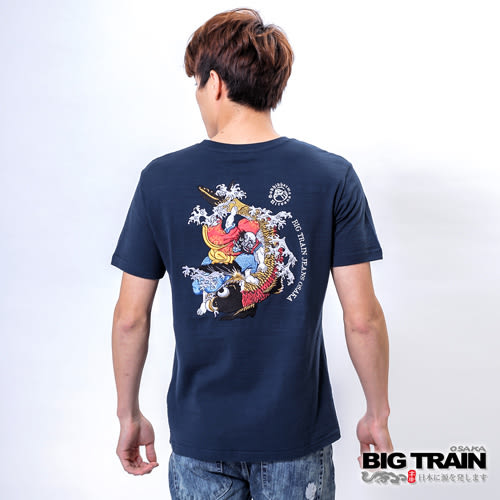BIG TRAIN 達磨鯉魚圓領T-男-深藍