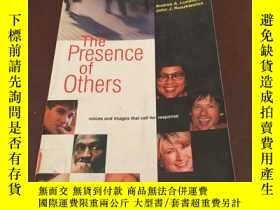 二手書博民逛書店The罕見Presence of Others Voices a