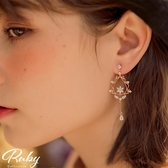 耳環 韓國直送‧宮廷風雕花水鑽垂墜耳環-Ruby s 露比午茶