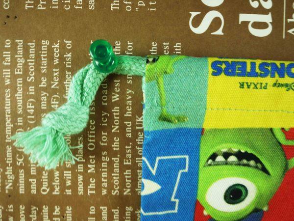 【震撼精品百貨】Monsters University_怪獸大學~束口袋-格子