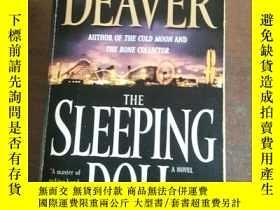 二手書博民逛書店The罕見Sleeping Doll: A Novel (Kat