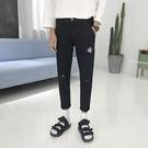 找到自己品牌 男 時尚 潮 修身 破洞 小腳 魚骨刺繡 休閒牛仔褲 九分褲 直筒褲