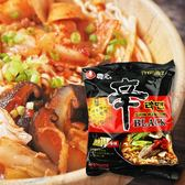 韓國 農心 黑色辛拉麵 辣牛骨口味 130g【櫻桃飾品】【28407】