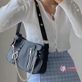 腋下包 眾設計腋下包2020新款歐美潮流尼龍布鍊條手提女包法棍包