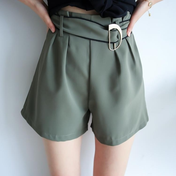 [超豐國際]夏季女裝氣質名媛合金腰扣綁帶修身顯瘦直筒短褲休閑1入