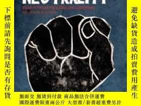 二手書博民逛書店Questioning罕見Library Neutrality: Essays From Progressive