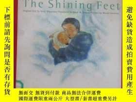 二手書博民逛書店英文書罕見the shining feet 硬精裝Y15969