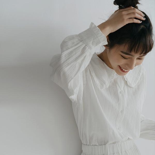 Queen Shop【01024130】日系領片造型荷葉邊白襯衫*現+預*