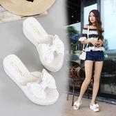 女拖鞋 外穿涼拖鞋女 夏時尚外穿 韓版厚底松糕蝴蝶結真皮中跟坡跟小白色鞋托 99免運