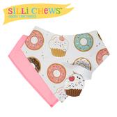 【愛吾兒】美國 SiLLi CHeWS 咬牙器+圍兜2入組-可口蛋糕 美國設計