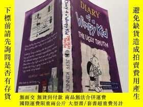 二手書博民逛書店Diary罕見of a Wimpy Kid:The Ugly Truth:《懦弱孩子的日記:醜陋的真相》Y20