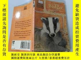 二手書博民逛書店Badger罕見in the Basement:地下室的獾Y200392