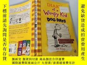 二手書博民逛書店Diary罕見of a Wimpy Kid:Dogs Days 一個懦弱的孩子的日記:狗的日子Y200392