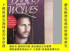 二手書博民逛書店MICHAEL罕見BLAKE DANCES WITH WOLVE